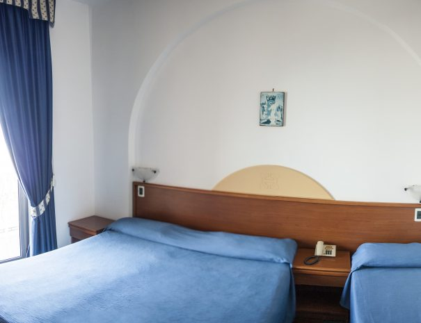 camera matrimoniale + 1 letto aggiunto
