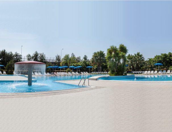 La piscina del Villaggio Vacanze Eurolido