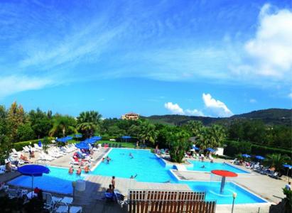 piscina del villaggio eurolido